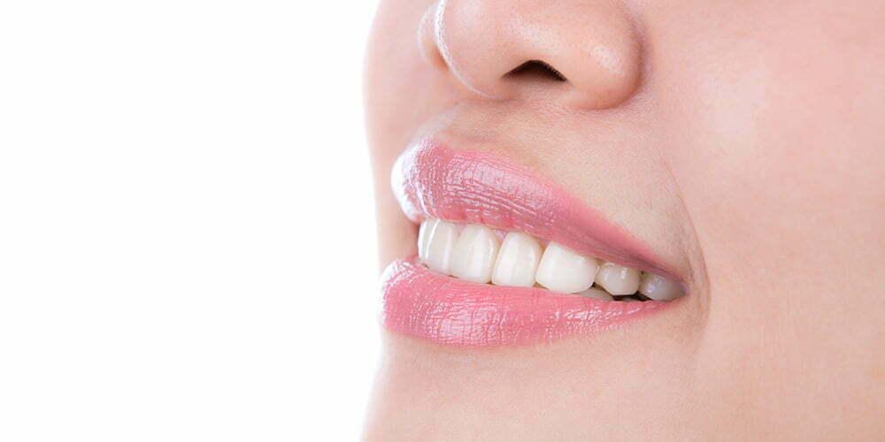 Diş Beyazlatmada Ev Tipi ve Ofis Tipi Nedir